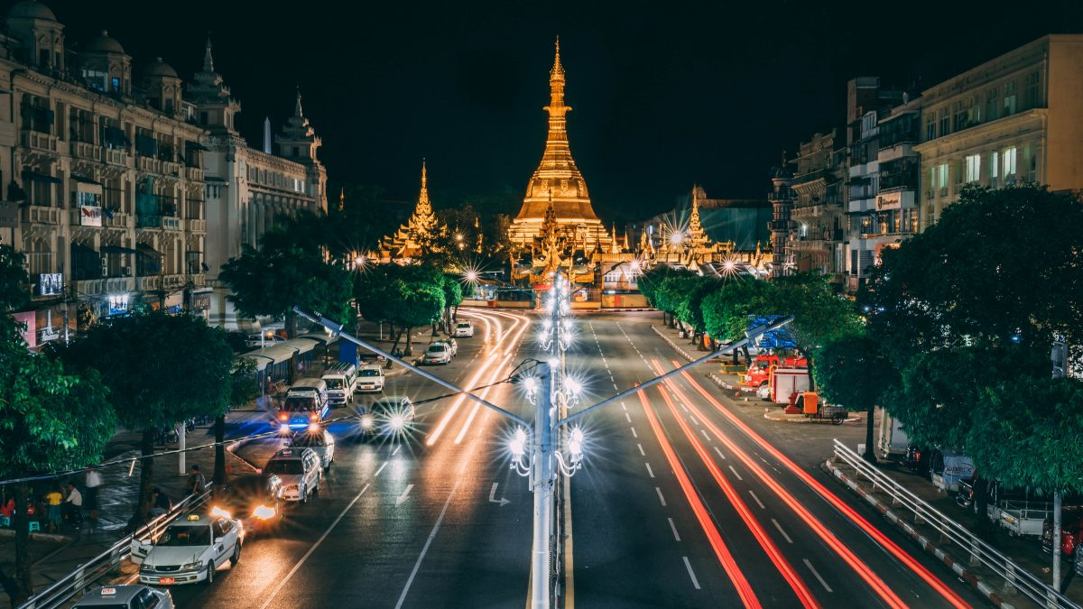 the Sule Pagoda lights up at night