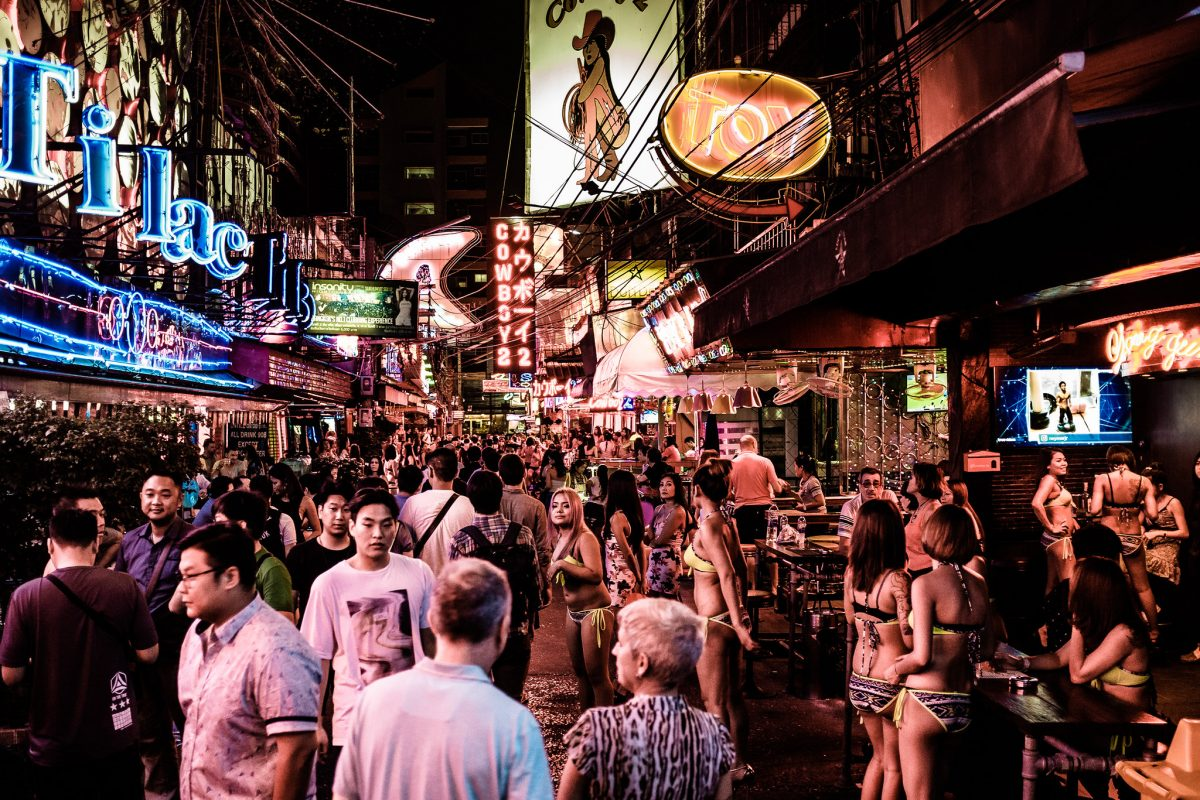 Crowd on Soi Cowboy at night