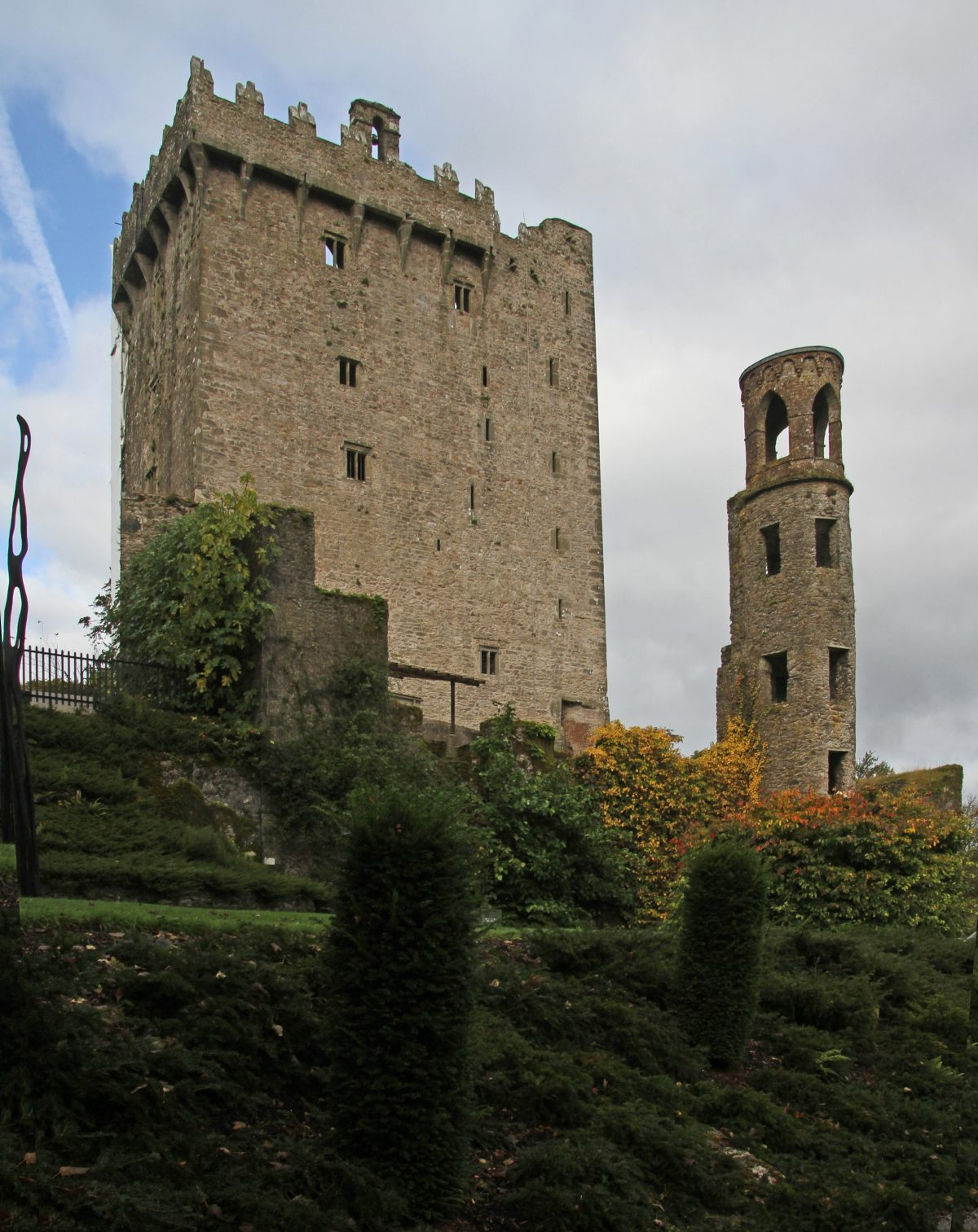 Blarney Castle Gerd Eichmann Wikipedia Commons - 10 Castles That You Should Visit In Ireland