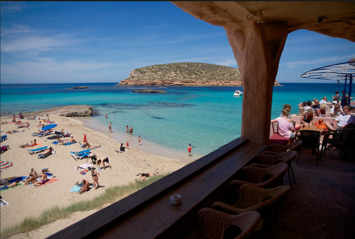 Whatever kind of beach vibe you're looking for, you can find it here at Cala Comte.