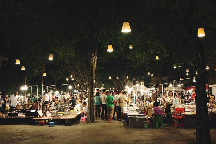 Cicada Market Photo by Easybook - From Bangkok To Hua Hin: How To Get There?