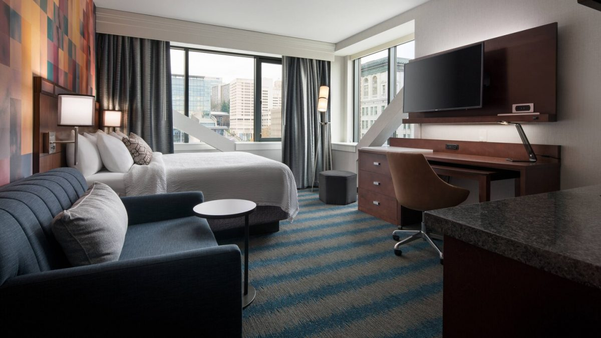Studio King Suite at the Courtyard Marriott Seattle Downtown/Pioneer Square