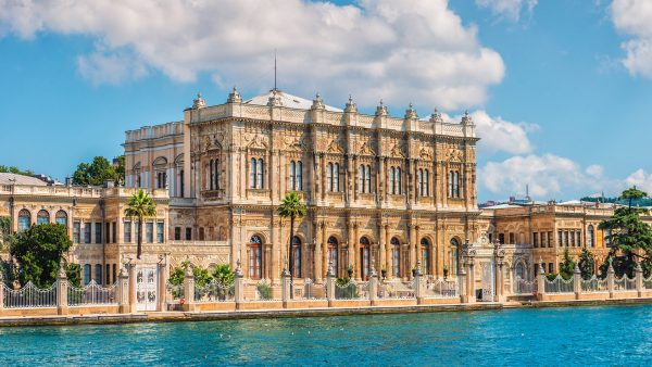 Dolmabahce Palace In Istanbul – All You Need To Know