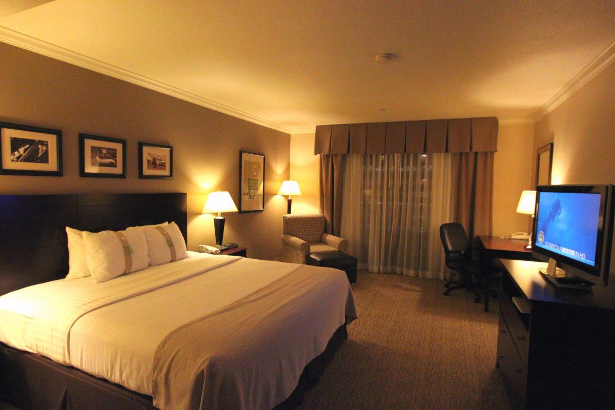 Holiday Inn Room