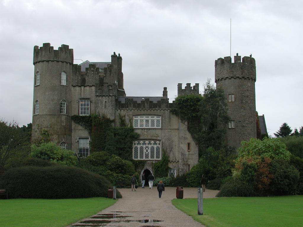 Malahide Castle AndrewH Wikipedia commons - 10 Castles That You Should Visit In Ireland