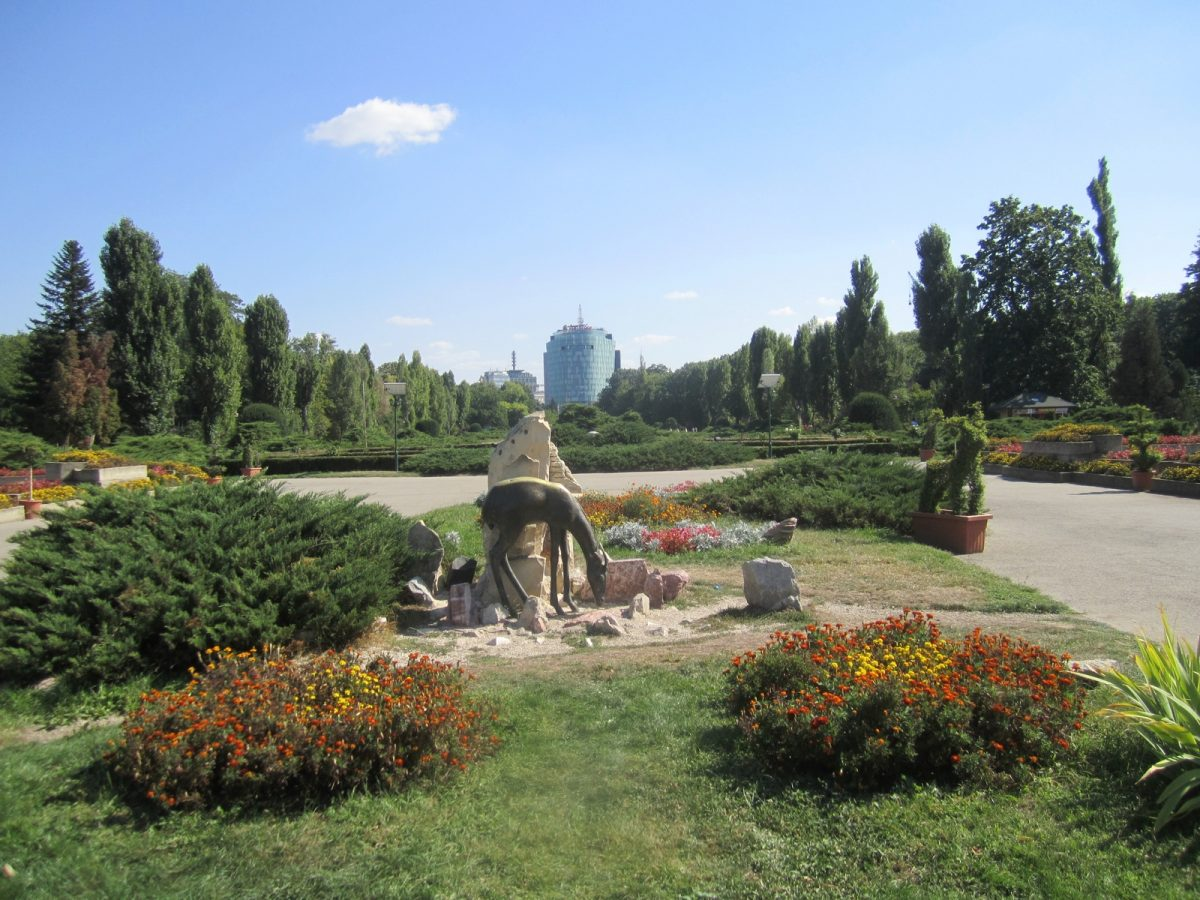 Formerly known as the Herastrau park, King Michael I Park is one of the most visited parks in the country.