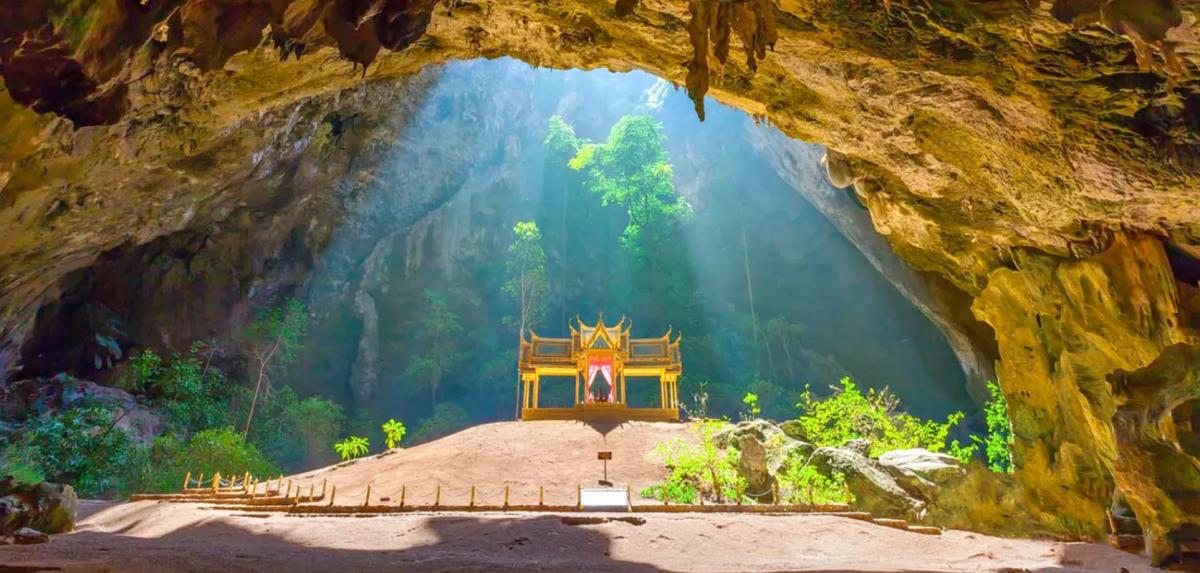 Phraya Nakhon Cave Photo by Trillophilia - From Bangkok To Hua Hin: How To Get There?