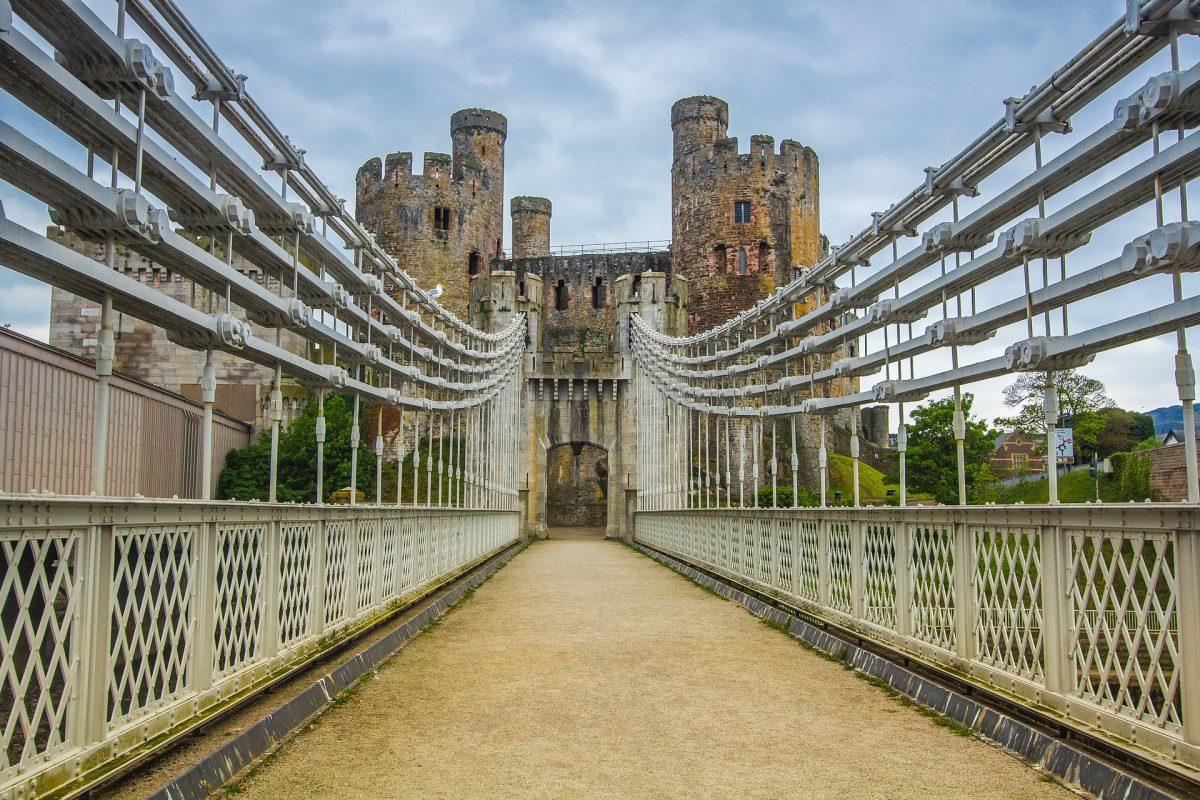 bridge 2389827 1920 - 10 Castles In Wales That You Should Visit