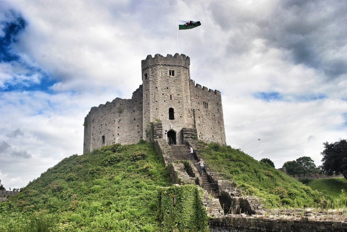Erected on the banks of the Taff River, Cardiff Castle has a history that dates back to the Roman occupation when the castle was in fact a fort.