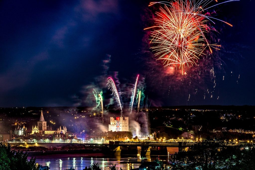 fireworks 3680597 1280 1024x682 - Best Things To Do In Kent, England
