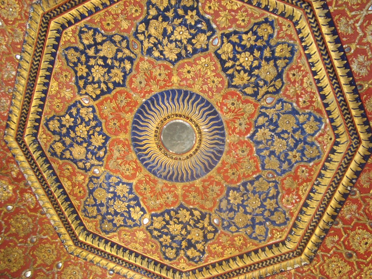 golden-temple-ceiling