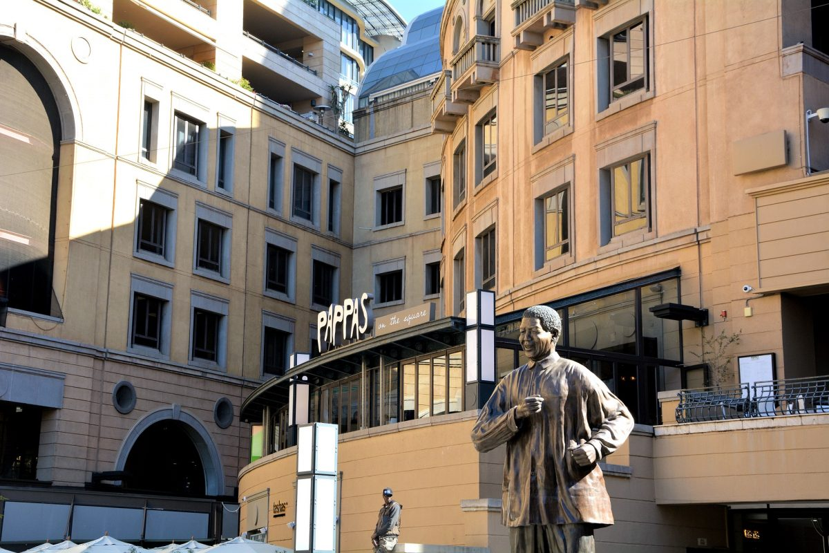 photo of the Nelson Mandela statue in Johannesburg