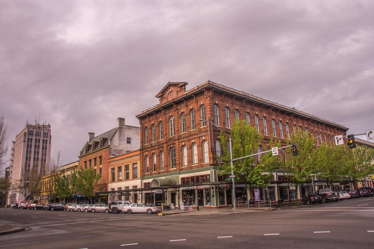 The historical building was built between 1869 to 1870 by Cyrus Adams Reed. An important part of Salem's history, it is the state's oldest surviving theatre.