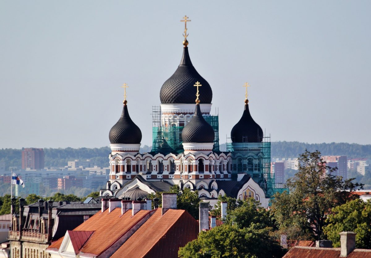 The main landmark of Toompea is the St. Alexander Nevsky Cathedral. This spectacular, onion-domed cathedral, was built in the 19th century and it is the main Russian Orthodox Cathedral in Estonia.