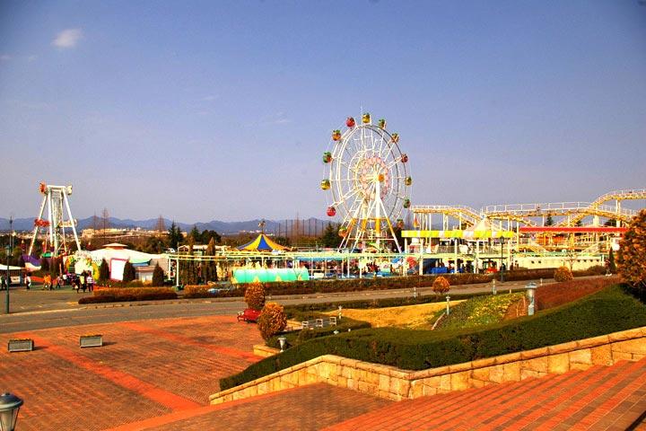 Fruit Flower Park by Fruit Flower Park for WikiCommons - 15 Things To Do In Kobe, Japan