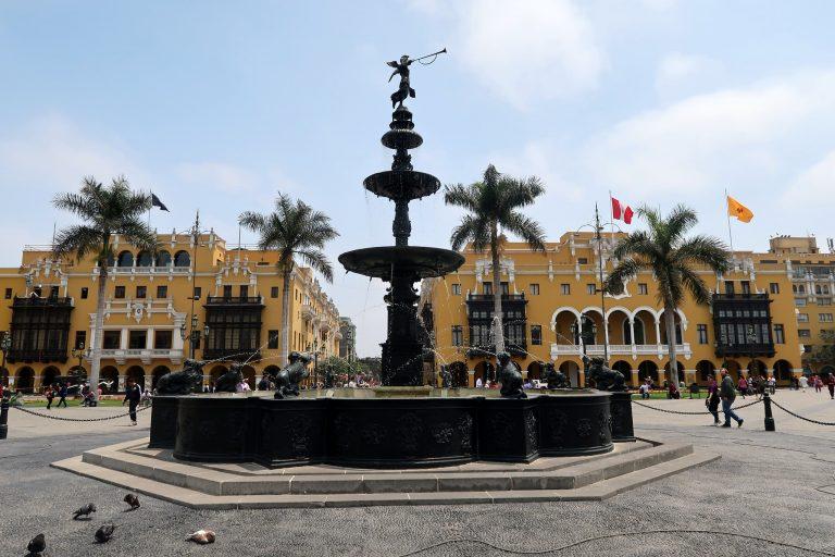 A fountain in Plaza Mayor, Lima