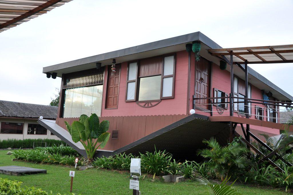Rumah Terbalik, Upside Down House, sabah malaysia
