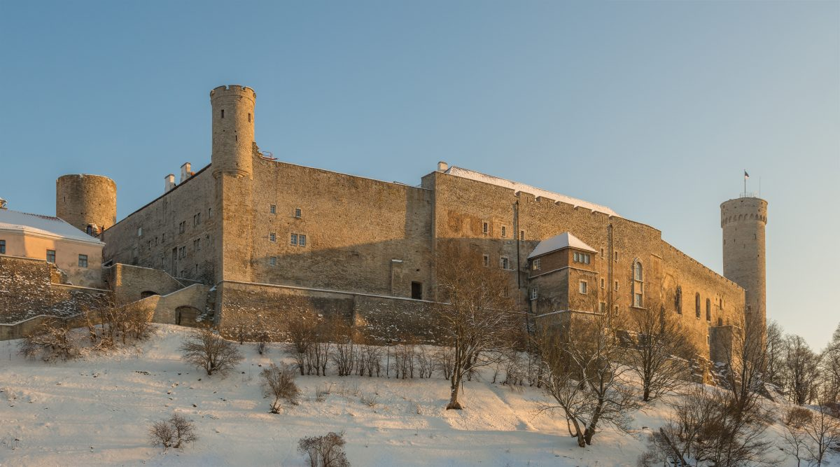 On the Toompea hill, sitting on a beautiful limestone cliff, you can find the imposing Tompea Castle.