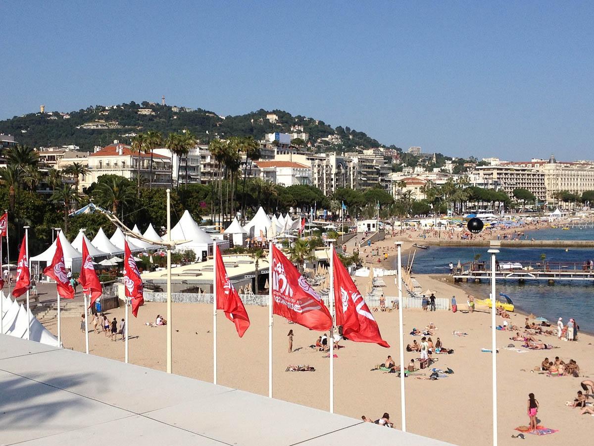 Sunny day on Cannes beach