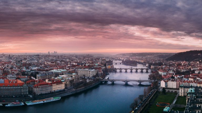 How to get from Budapest to Prague
