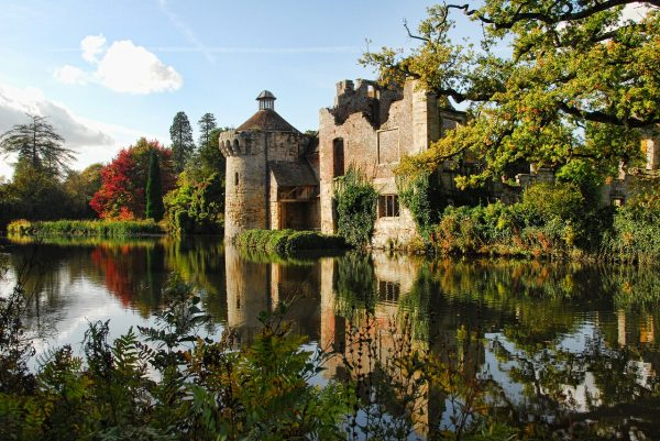 Scotney Castle: All You Need To Know In 5 Minutes