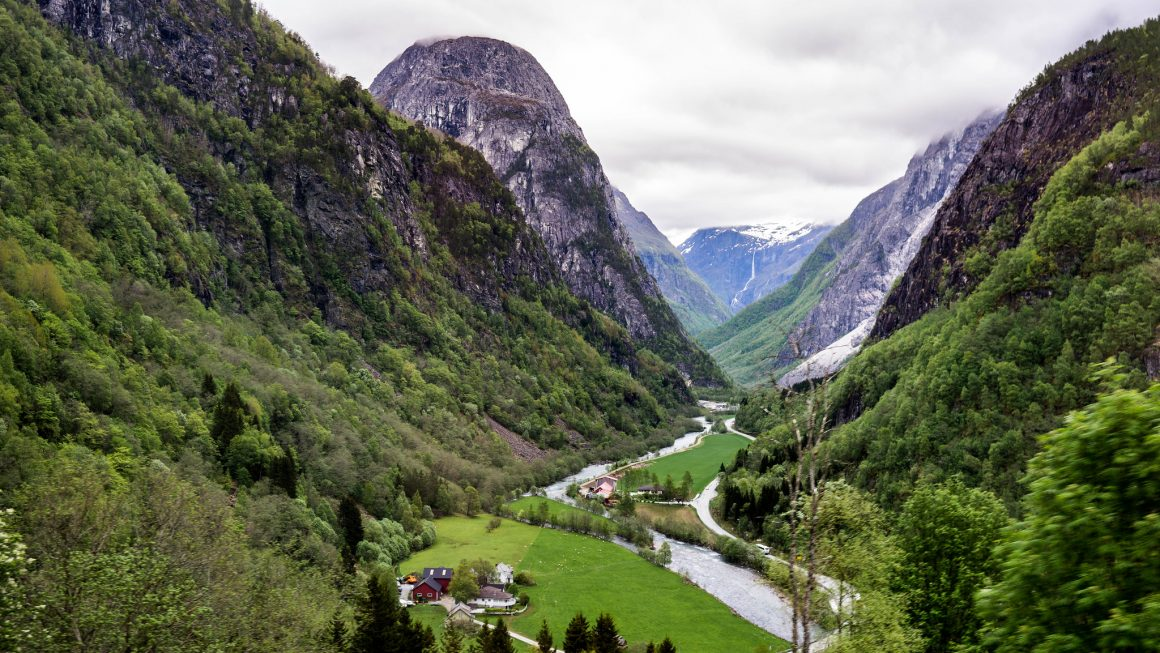 valley view hordaland norway 1160x653 - Best Things To Do In Hordaland, Norway