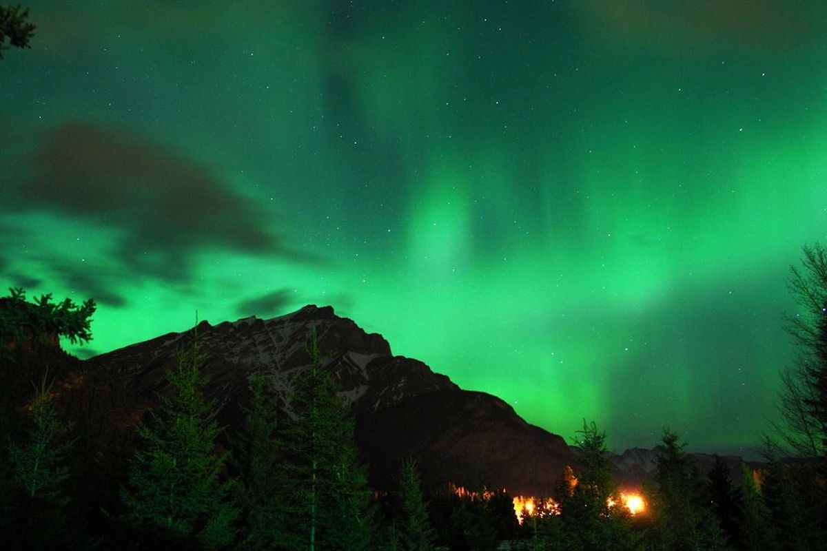 Northern Lights, Cascade Mountain in Banff, Canada