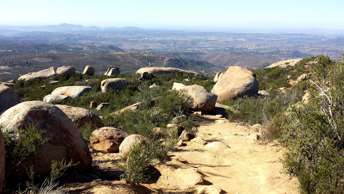 photo of one of the peaks at the Mt. Woodson Trail at Potato Rock Chip, San Diego