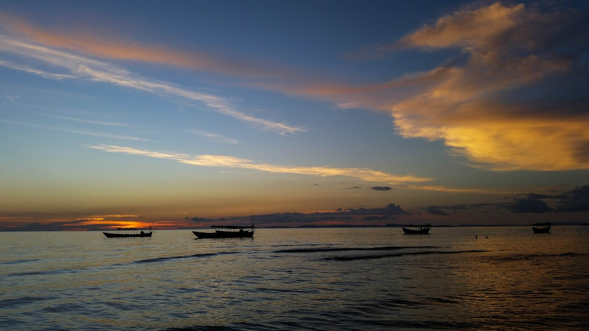 photo of the sunset at Sihanoukville Beach in Cambodia
