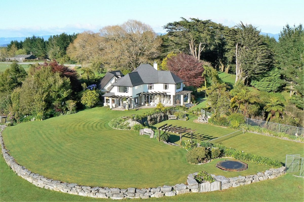 a complete view of the Waitomo Boutique Lodge property