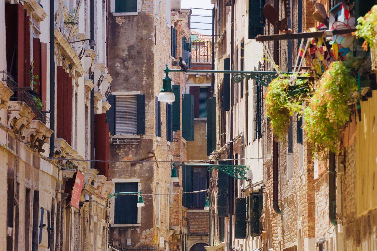 Mestre City alleyway buildings with closed windows