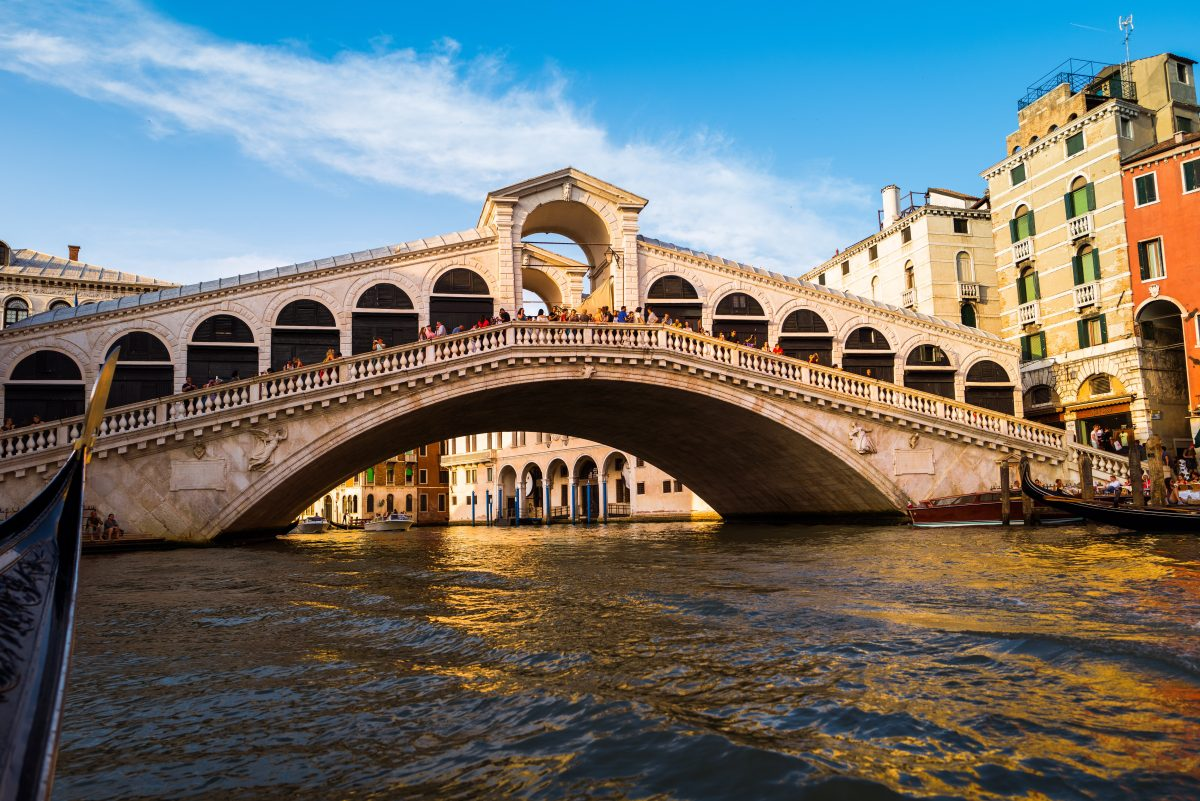 The Rialto Bridge connecting San Polo and San Marco on the Grand Canal
