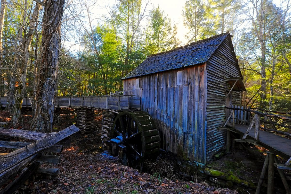 A wooden shed on Cades Cove