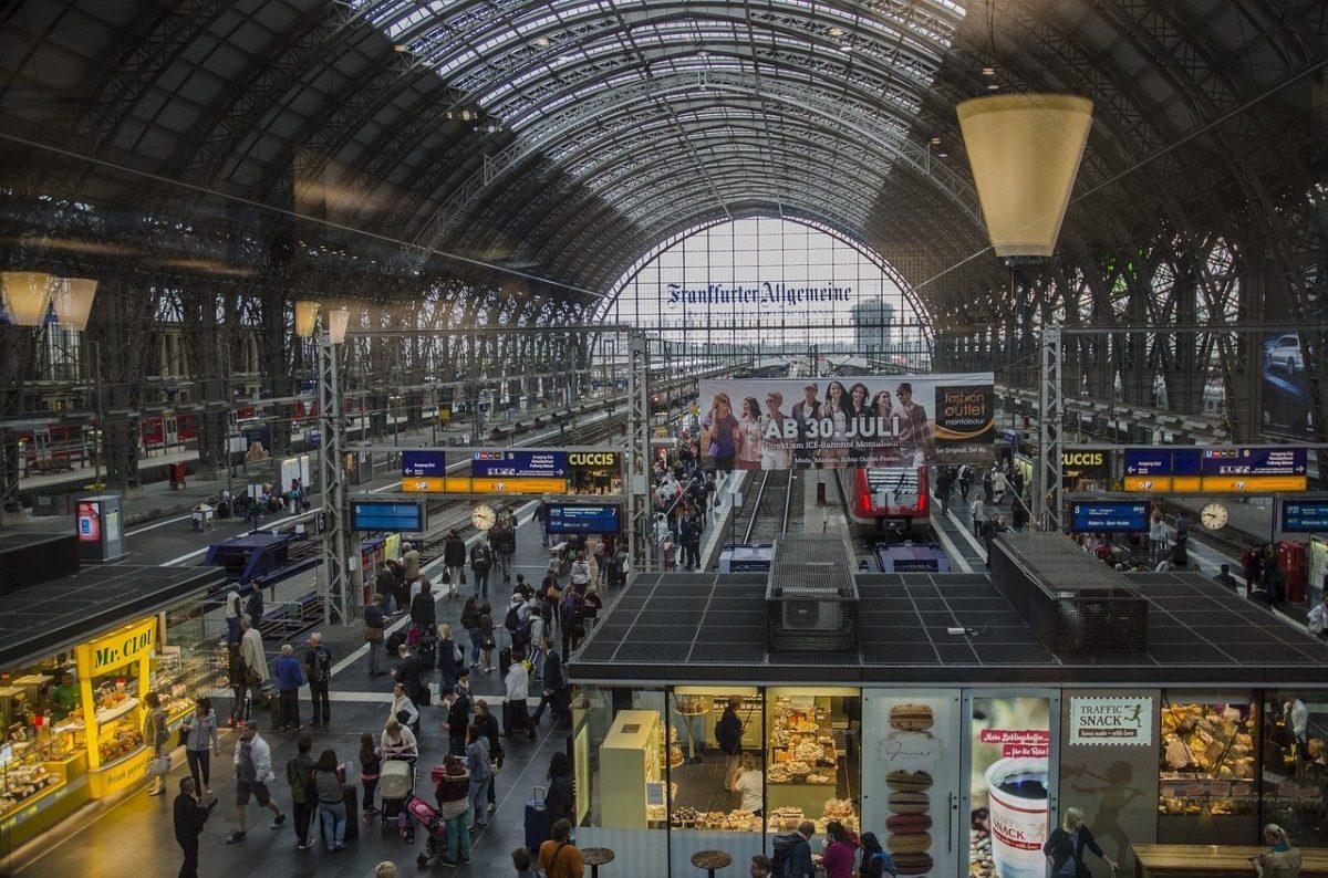 photo of the Deutsche Bahn railways station