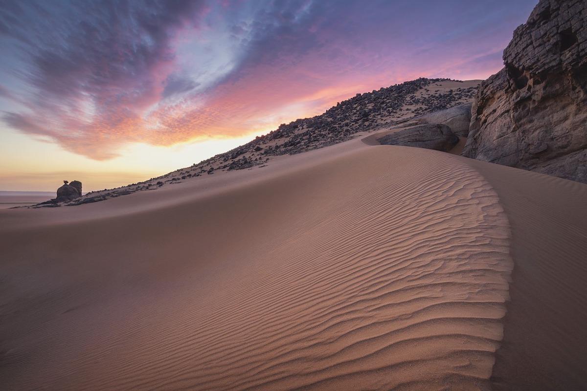 Landscape shot of the sand dunes in the Sahara Desert