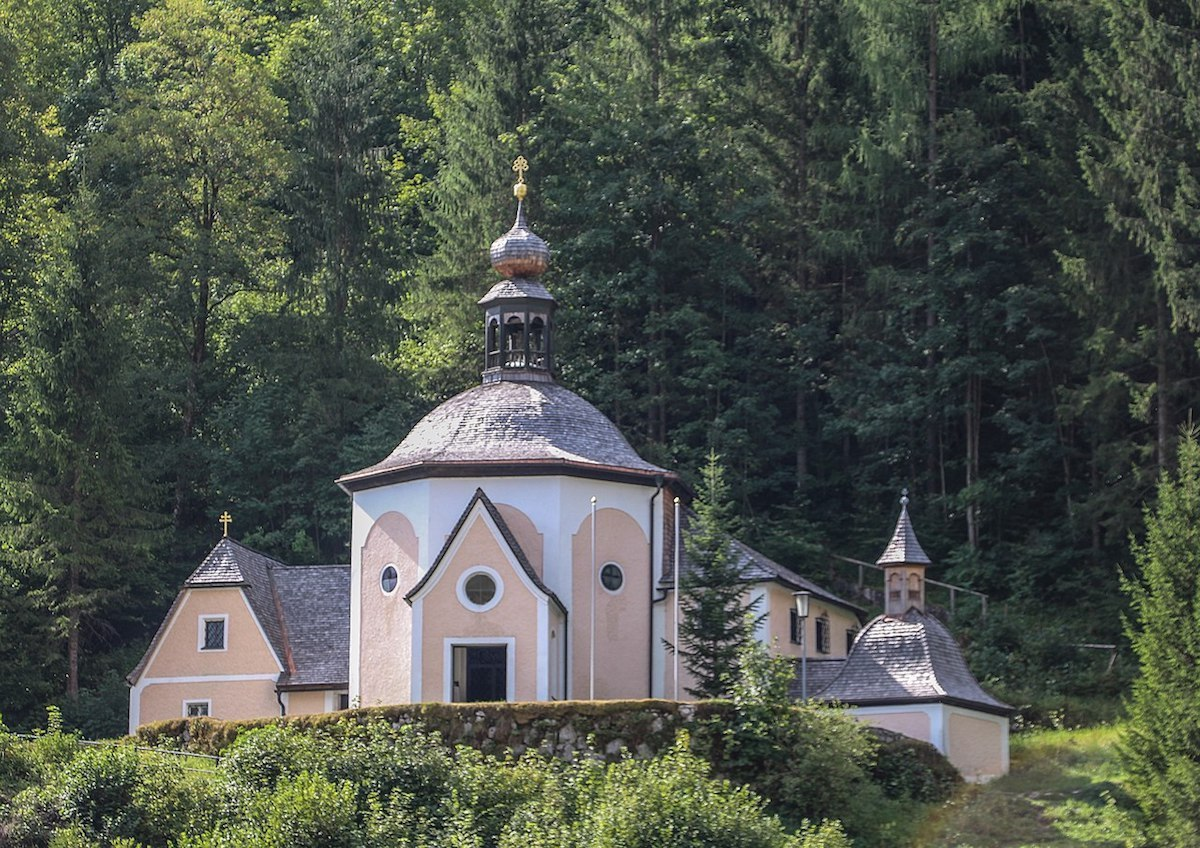 Kalvarienberg Church surrounded by the lush and panoramic views of the Gosau Valley