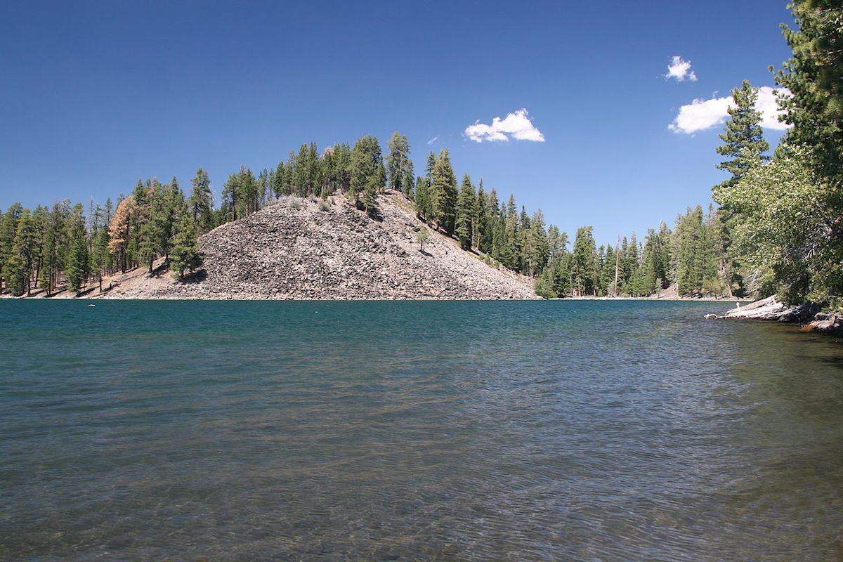 Butte Lake, a walking distance to the campsites