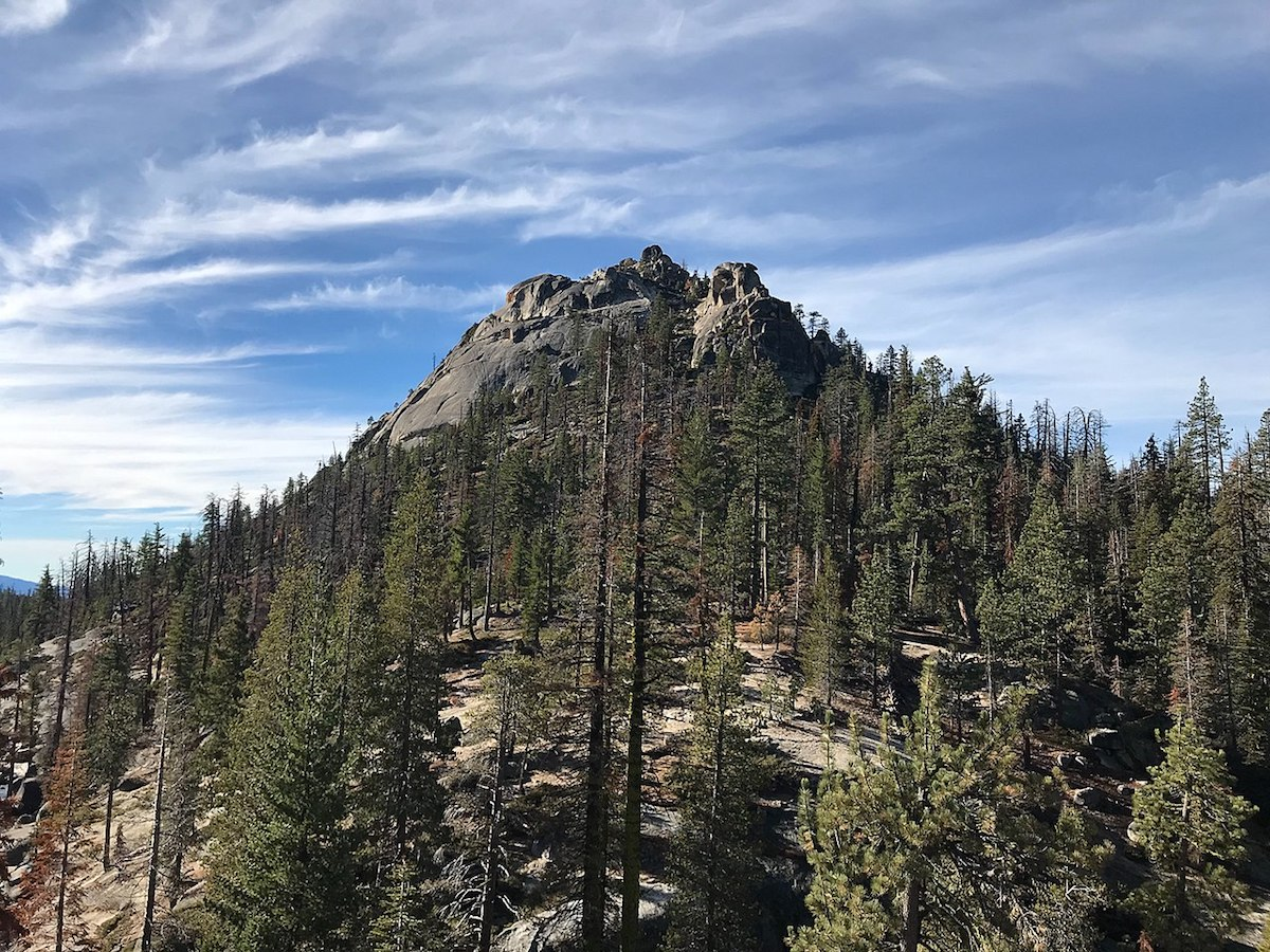 The impressive mountain scenery of Sierra National Forest