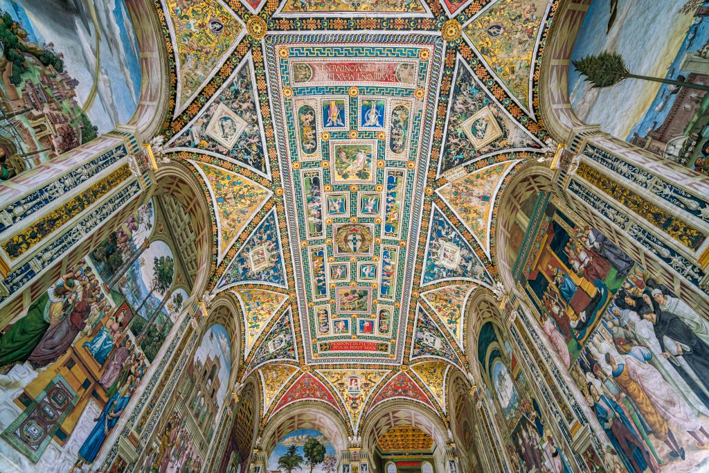 Piccolomini Library in Duomo of Siena, fresco painting