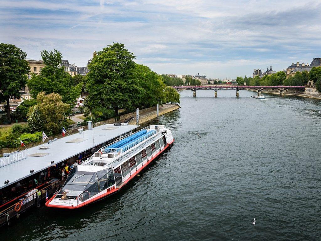 Vedettes du Pont Neuf Seine River cruise